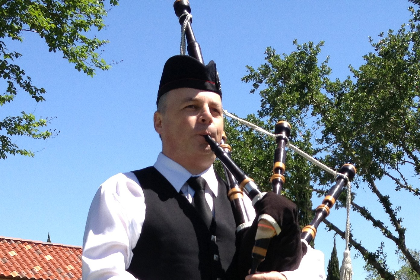 Funerals and bagpipes - Richard Kean bagpiper in Houston